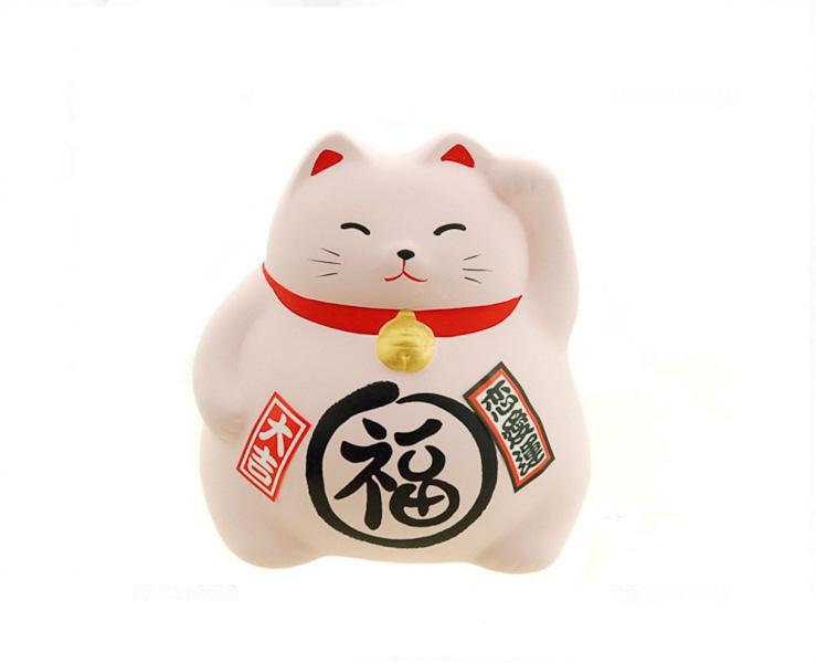 Chat Maneniki un peu rondouillard : porte bonheur japonais qui apporte la fortune et les clients